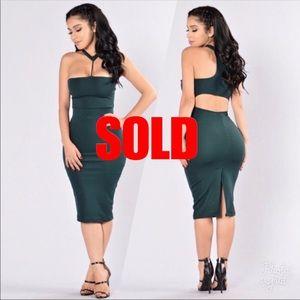 Dresses & Skirts - Green Choker Midi Dress